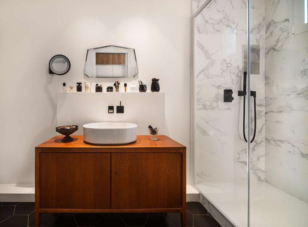 Salle de bain contemporaine et vintage de Liza Lena