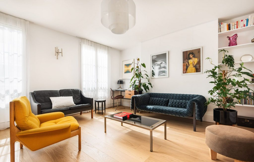 salon contemporain décoré par Liza Lena Conseil en décoration à Paris