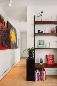 photo d'une entrée et un salon réaménagés par Liza Lena