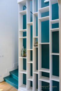 Bibliothèque qui relooke un escalier réalisation Liza Lena